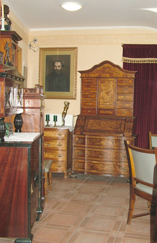 Apartment hall Gyula Burg apartment, from here opens Apartment 6