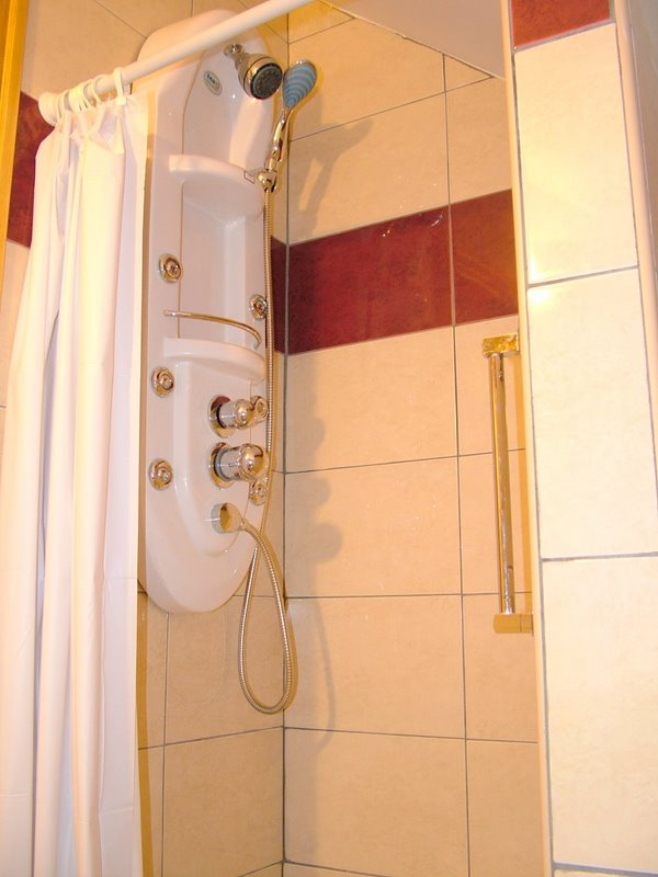 Gyula Apartment 9 Shower Room